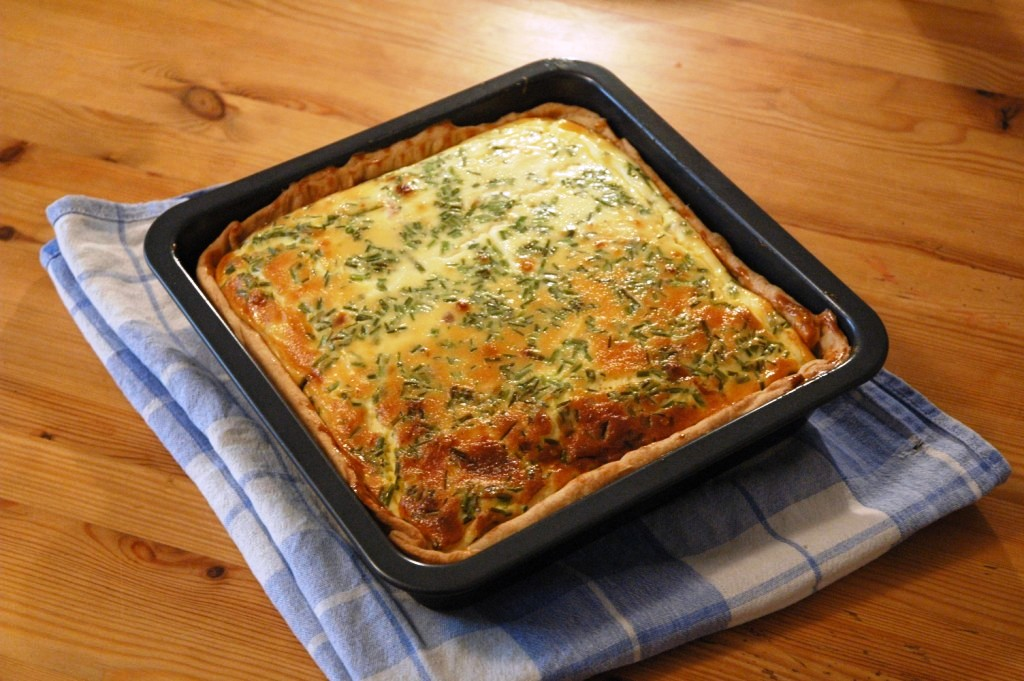 Square salmon quiche